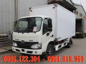 Xe tải Hino 1T9 thùng kín XZU650L