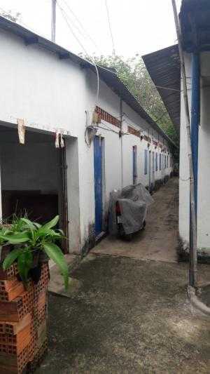Nhà trọ 10 phòng 1 khung xưởng 500 m2 và 1 nhà cấp 4 đường đất thuộc xã Nhuận Đức,