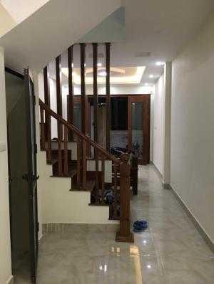 Bán nhà đẹp 40m2 phân lô 2 mặt thoáng tại Tôn Thất Tùng