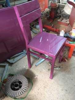 Ghế gỗ tựa lưng, màu tím, thiết kế đa dạng