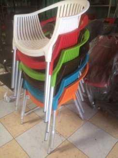 Ghế nhựa nhiều màu, chân inox