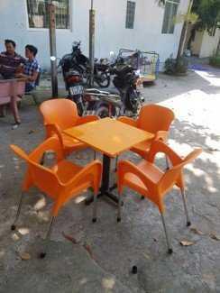 Bộ bàn ghế nhựa kinh doanh quán nước, màu cam