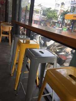 Ghế nhựa Tulix giá rẻ, nhiều màu sắc cho kinh doanh bar, cafe
