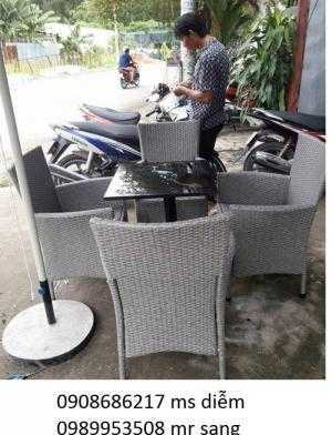 Cần thanh lý bàn ghế cafe giá rẻ nhất 006