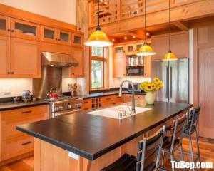 Tủ bếp gỗ Sồi màu vân gỗ chữ L có bàn đảo – TBT89
