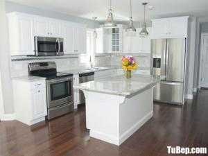 Tủ bếp chất liệu Tần bì sơn men trắng kết hợp bàn đảo – TBN0094
