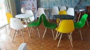 Bộ bàn ghế cafe nhựa đúc cao cấp, đủ màu sắc