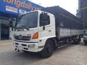 xe tải Hino 8.2 tấn thùng mui bạt thùng dài 9.7 m, xe có sẵn giao ngay