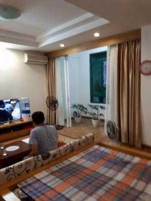 Bán nhà khu phân lô Quân Đội ngõ 559 phố Lạc Long Quân dt 70 m2 x 5 t đẹp
