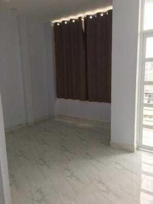 Bán nhà mặt tiền hẻm 4m Trần Xuân Soạn, dt sàn 180m2, 5 lầu, 5 Tolet , 6 Phòng Ngủ, SHR