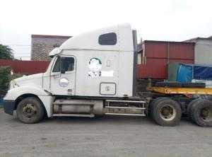 Bán Xe đầu kéo Mỹ Freightliner 2004, máy cơ Detroit