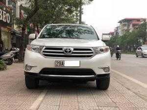 Toyota Highlander 2.7 SE màu Trắng, số tự động, máy xăng sản xuất 2011, Nhập M