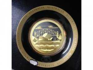 Đĩa sứ Australia mạ vàng 24k đk 13,5 cm