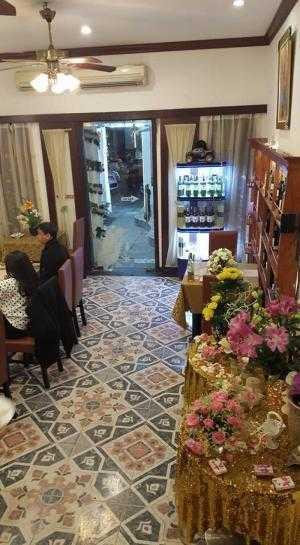 Chính chủ cần bán gấp căn biệt thự mặt phố Lê Văn Hưu , dt 210m2, 4 tầng, giá 51.5 tỷ
