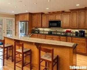 Tủ bếp gỗ Sồi màu vân gỗ chữ I bán cổ điển – TBT90