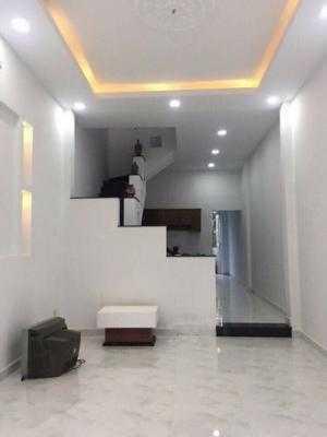 Cần bán gấp trước Tết nhà Nguyễn Thượng Hiền, Bình Thạnh, NỞ HẬU, 40m, 2 lầu