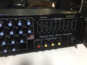 Bán chuyên Ampli California 568E  hàng còn 98% mới .