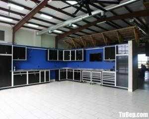 Tủ bếp gỗ Acrylic màu đen huyền bí sang trọng – TBT92