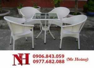 Nhiều bộ bàn ghế nhựa giả mây cho kinh doanh cafe sân vườn giá rẻ
