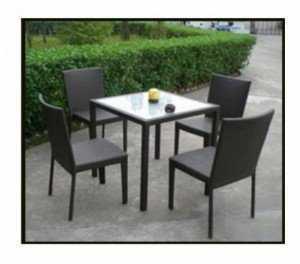 Bộ bàn ghế cafe nhựa giả mây, bàn vuông, mặt kính