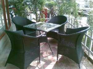 Bộ bàn ghế mây cafe, bàn vuông mặt kính