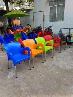 Thanh lý lô ghế nhựa nữ hoàng, nhiều màu sắc cho kinh doanh mở quán cafe