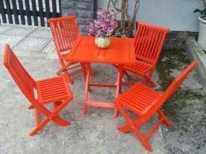 Bộ bàn ghế gỗ xếp, màu cam nổi bật, giao hàng toàn quốc