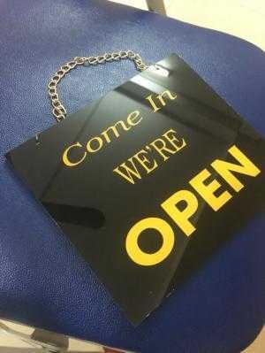 Địa chỉ bán biển closed open cho showroom