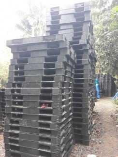 Pallet nhựa cũ giá rẻ, giá sỉ tại Bắc Ninh