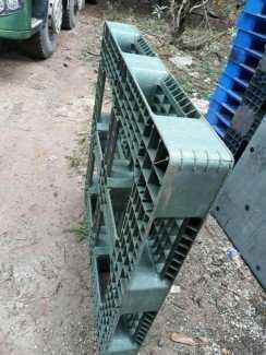 Pallet nhựa cũ giá rẻ tại Hưng Yên - Miễn phí vận chuyển - Hotline: 0906 193 788 (24/24)