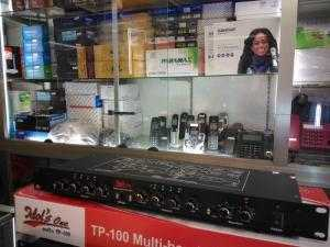 Máy nâng tiếng hát Idol's One Audio TP-100 giúp cho âm thanh ra nhẹ nhàng hơn, âm cao trong trẻo, âm bass sâu và đầy nội lực hơn.