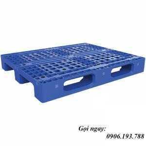 Giá Pallet nhựa cũ Hà Nội. Giao hàng toàn quốc. Liên hệ: 0906193788 (24/24 - Phòng Kinh Doanh)