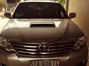 Gia đình có chiếc Toyota Fortuner 2.5L 2014 muốn cho thuê tự lái