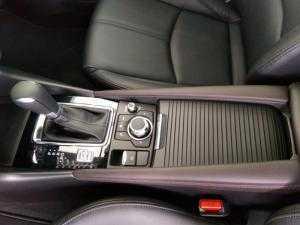 Mazda 3 Trắng sang trọng, trẻ trung - có xe giao ngay