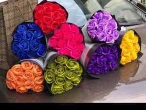 Quà tặng ngày lễ 8/3 bó hoa hồng sáp 12 bông
