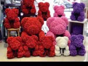 Quà tặng ngày lễ gấu hoa xốp