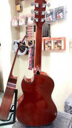 Guitar mini 1/2 còng cườm