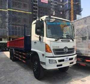 Xe tải Hino FL8JTSL 15 tấn thùng lửng 9,2m.