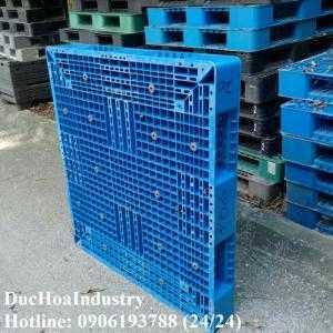 Pallet nhựa cũ tại Bình Phước