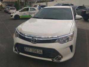 Cho thuê xe tự lái Toyota camry 2016 thủ tục nhanh chóng.