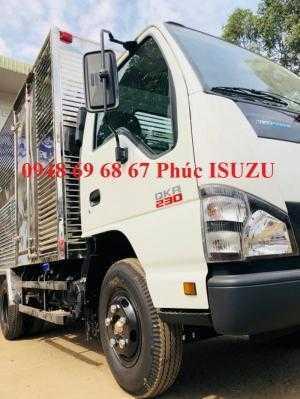 Xe tải Isuzu 2T4 Thùng Kín Vào Thành Phố