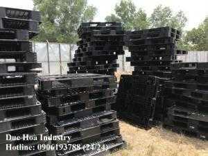Pallet nhựa cũ giá rẻ, kích thước 1140x1140x130 mm
