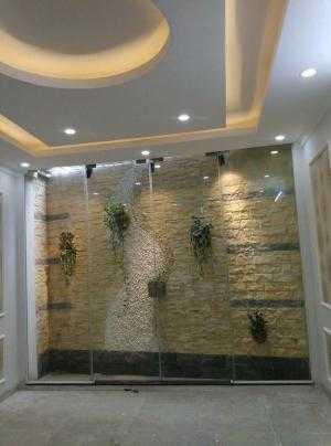 2018-03-22 20:45:08  2  Bán nhà 4 tầng mới xây cực đẹp giá rẻ tại phố Trạm, Long Biên. Dt 40m 2,200,000,000