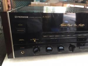 Bán chuyên Ampli Pionner A90D  hàng bải tuyển chọn từ nhật về zin 100% , không chỉnh sửa, đẹp long lanh