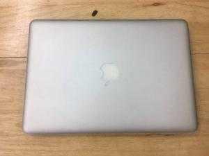 Macbook pro MD101, i5 2.5, ram 4gb, ổ 500gb máy đẹp, pin ngon