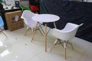 Bàn ghế nhựa chân gỗ giá rẻ nhất
