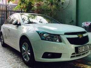 Cho thuê ô tô tự lái Chevrolet Cruze 2016 và Toyota Camry 2015 mới và đẹp