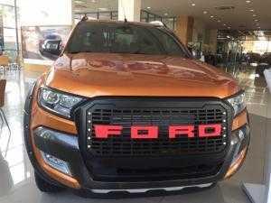 Ford Ranger Wildtrak 3.2L màu cam, giao xe...