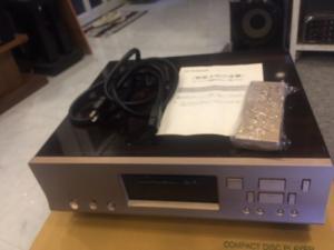 Chuyên Bán CD Luxman D7 hàng bải