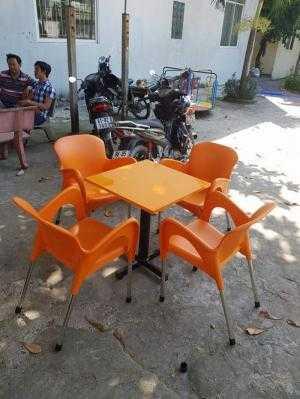 bàn ghế cafe nhựa đúc giá rẻ nhất